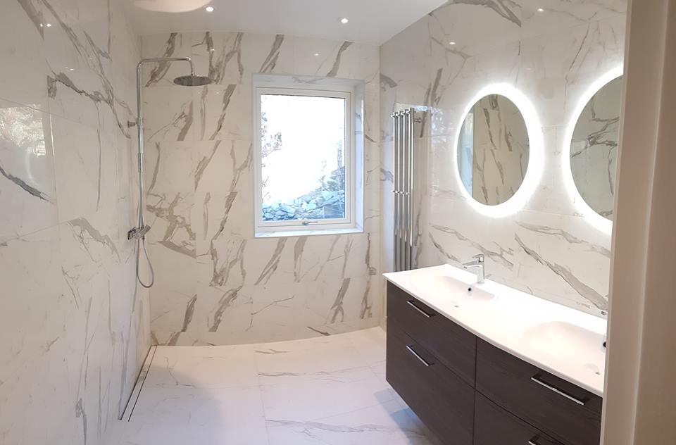 Färdigrenoverat badrum av Honkonen Byggnads AB